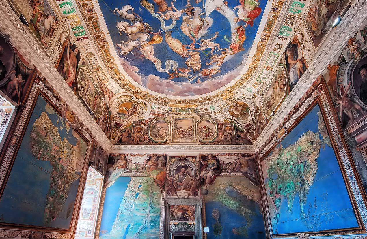 Giuseppe Sapori - The globe room